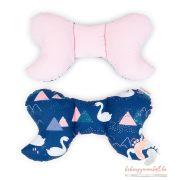 Prémium velvet pillangó párna - Sötétkék hattyúk rózsaszínnel
