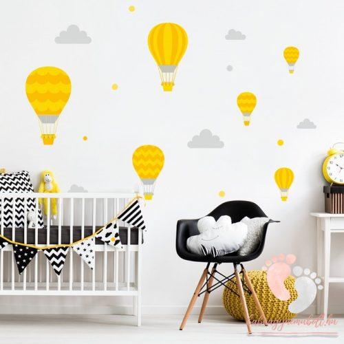 Design falmatrica - Sárga léggömbök szürke felhőkkel