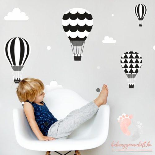Design falmatrica - Fekete léggömbök fehér felhőkkel